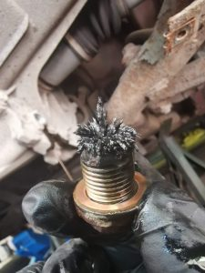 Metal particulates in the sump
